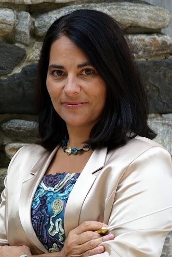 DR. CAROLINA FLORES