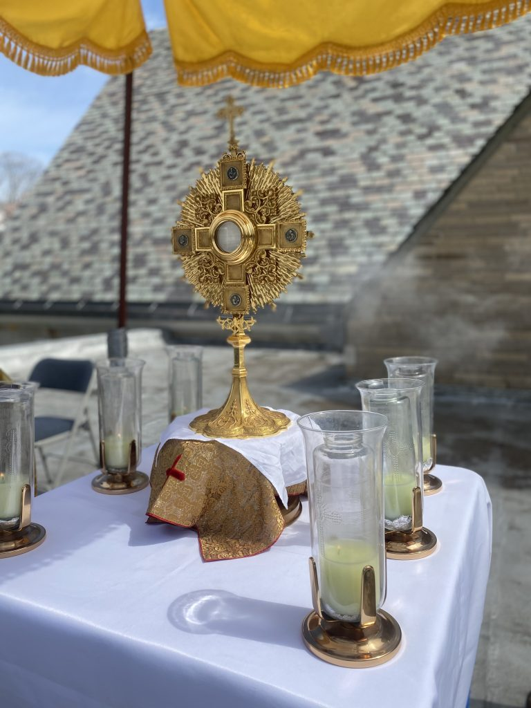 MONSTRANCE ON ROOFTOP ALTAR FOR ADORATION